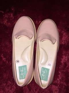 "Sepatu flatform ""wiggly salem"""