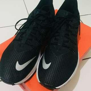 ORIGINAL Nike Quest Running Shoes Men