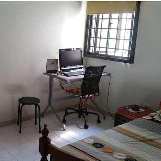 Nice common room for single profession lady, easy-going landlady. No Agent fee.