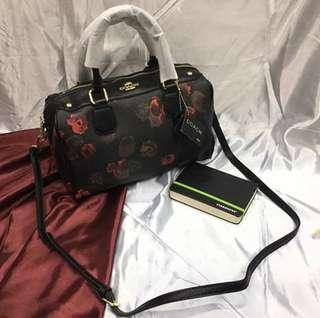 Doctor bag with sling