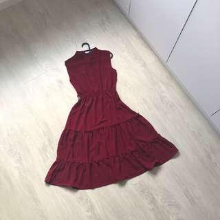🚚 Maroon midi dress
