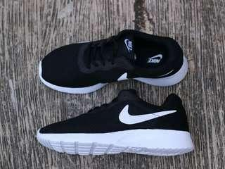 Nike Tanjun Black White 40-44