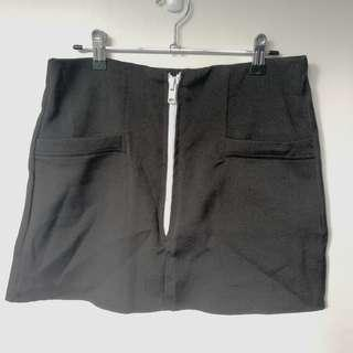 Zip up skirt with pockets