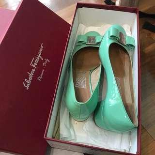 Salvatore Ferragamo Vara heels