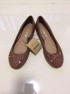 🚚 BNWT Cotton On Woven Flats #springcleanCarousell