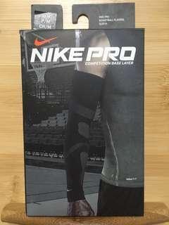 Nike Pro 籃球防護袖套