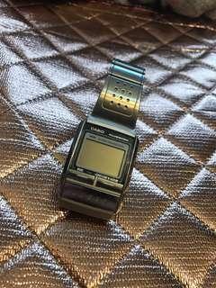 Casio 鋼帶電子手錶