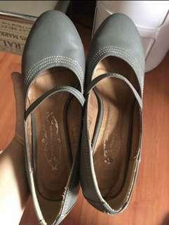 Orig Hush Puppies shoes