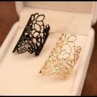 Hollow flower fashion ring