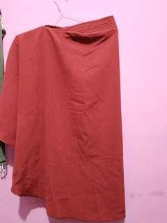 Hijab pet maroon