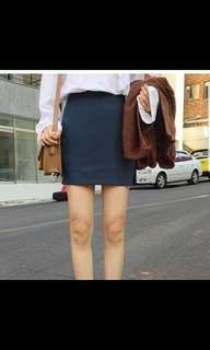🚚 深寶藍短裙