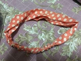 🚚 二手 粉橘色 圓點點 復古 髮圈 髮飾 髮帶 含有實戴照