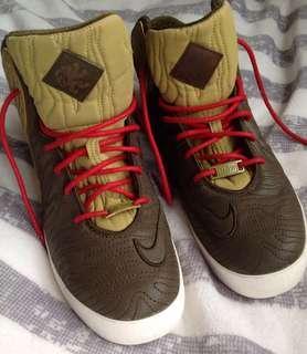 🚚 Nike 超輕運動鞋款
