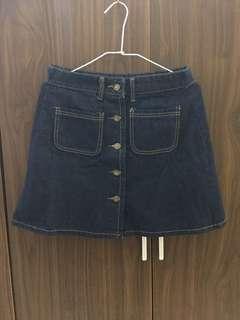 深藍色牛仔短裙