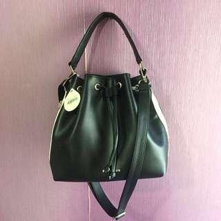 [NEW] Black Bucket Bag