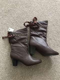 New!! Brown boots