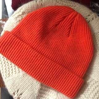 橙色短款冷帽