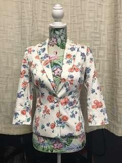 Review Floral Jacket
