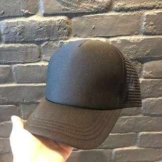 🚚 Black SnapBack Cap