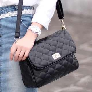 🚚 PROMO Quilted Shoulder Sling Cover Buckle Zip Bag