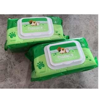 Wet wipes for dogs
