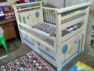 Box bayi putih