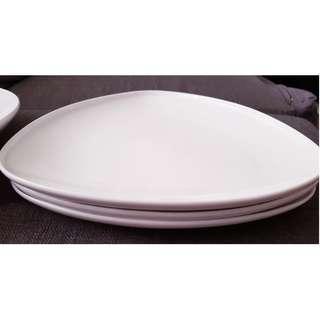 Set of 3 triangular plates