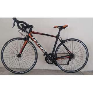 lightweight road bike bicycle with integrated shifters Shimano gears Excellent condition