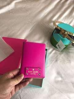 🚚 Kate Spade - passport holder