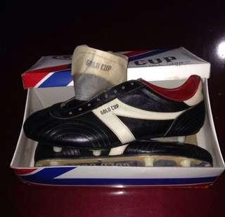 football shoes gold cup