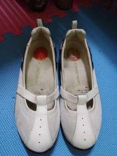 NATURALIZER ladies shoes
