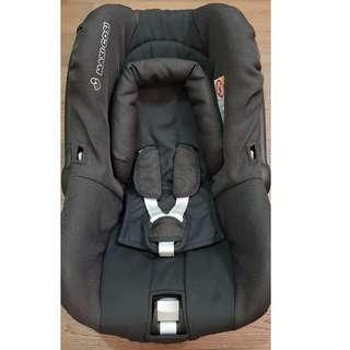 Maxi Cosi Infant Carrier & Car Seat