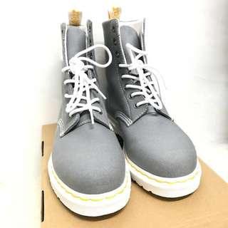 減價$390 Dr Martens 8孔灰色 Boots