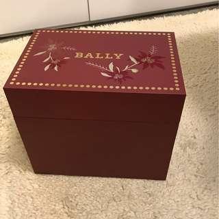 Bally Shiseido, Kiehl's: Lovely storage boxes
