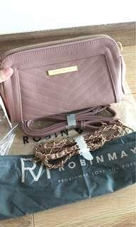 100% authentic Robin May 2 in 1 crossbody for let go!!