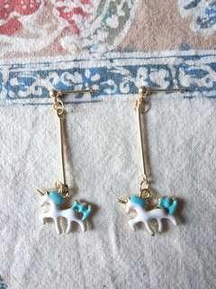 🚚 藍色獨角獸耳環
