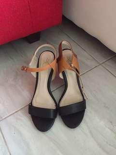 YK heels NETT