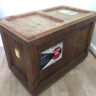 Storage crate (unique)