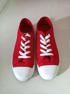 🚚 Red Canvas Shoes