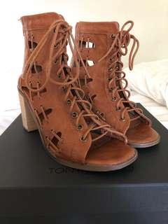 TAN LACE UP HEELS SIZE 38