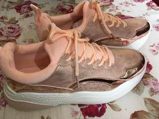Keddo sport shoes