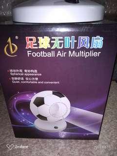 🚚 足球造型桌面無葉風扇*電池usb兩用*高20寬16cm