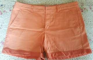 Shorts in 2 colours