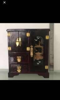 🚚 Jewelry min cupboard