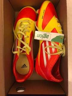 Cleats / Soccer Shoes