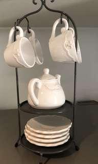 🚚 Vintage style tea set stand
