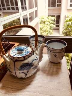 🚚 Japanese Teapot and glassware
