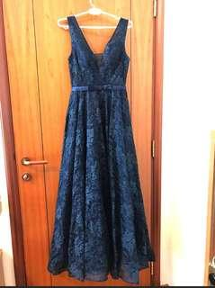 🚚 Long dark blue long dress, I have no chance to wear it, buy from another seller