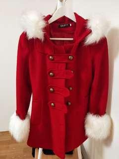 🚚 大紅外套
