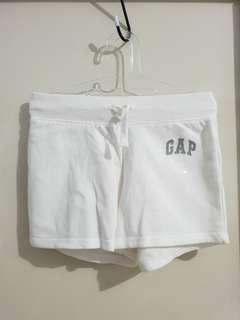 Celana gap pendek